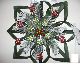 "Christmas Woven Star - 14"" Wreath Alternative"