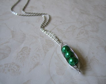 Green Peas in a Pod Pearl Necklace