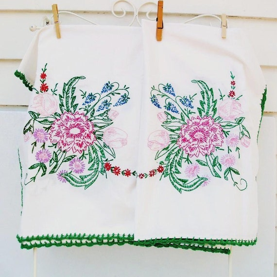 Mid Century Tablecloth, Embroidered, Card Table Cloth, Vintage Linens, Pink / Purple / Green Florals / Cottage Chic