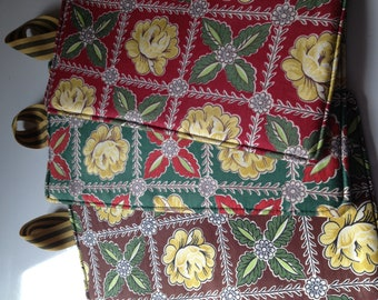 Pot Holder Green, Red and Brown floral antique Fabric Pot Holders Set of 3