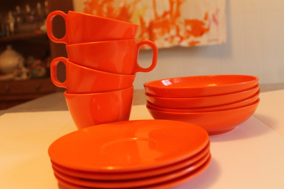 Vintage Bright Orange BOONTON USA Melmac  Lot of 12 Pieces  Great Color