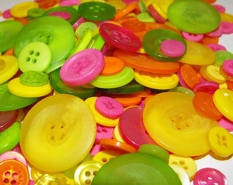 Fiesta Buttons, 100 Bulk Assorted Round Multi Size Crafting Sewing Buttons