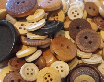 100 Wooden Buttons Round Multi Sizes