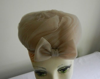 Vintage Beige Net Pillbox hat by Luci Puci