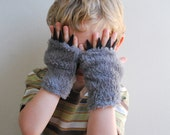 Kid's Fingerless Gloves - Grey Wolf with Black Claws