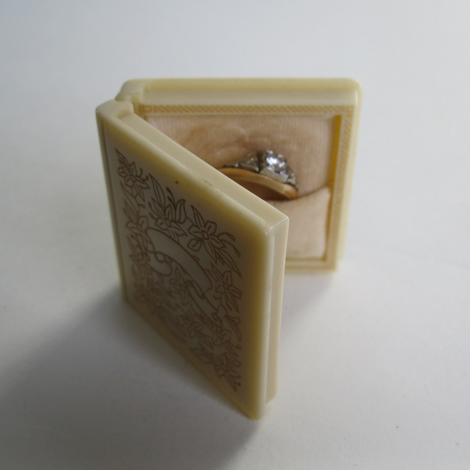 vintage 1930s book ring box floral wedding engagement 1940s