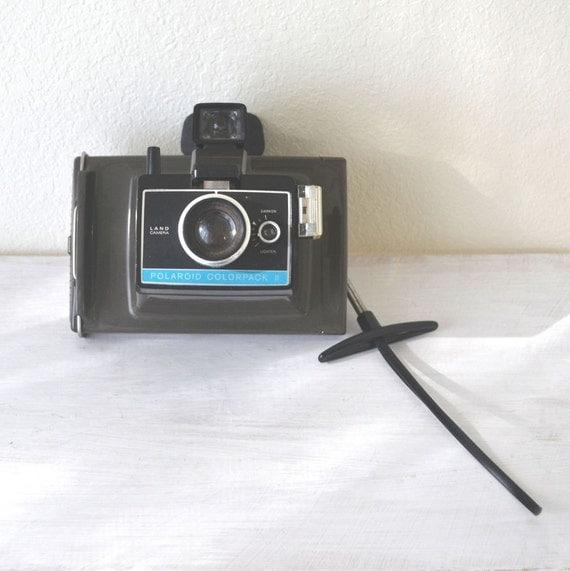 polaroid colorpack ii land camera vintage by storytellersvintage. Black Bedroom Furniture Sets. Home Design Ideas