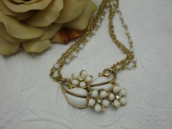 White Flower Brooch Vintage Necklace Vintage Assemblage Necklace