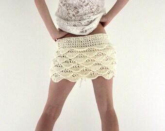 Waves crochet mini skirt in off white, cream