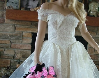 Wedding dress vintage 1950s tulle lace layered Bridal gown