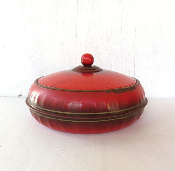 vintage vibrant red sewing tin from 30s SPOOL