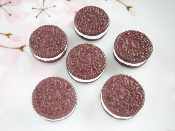 6 pcs - Chocolate Oreo Cookie Decoden Cabochon (17mm) CE10007 (((LAST)))