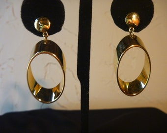 VINTAGE 1980's Gold Dangle PIERCED EARRINGS