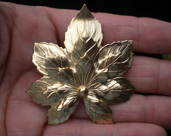 Vintage Large Maple Leaf Gold Tone 1960s Pin Brooch