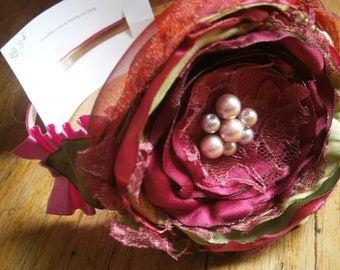Wedding flower headband, Boho chic flower headband in cranberry, pink and green, Flower girl hair accessory, Bridal flower, Hair accessory