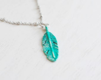 Feather Necklace, Petite Feather Pendant, Minimalist Charm, Feminine, Delicate Jewelry, Bridesmaid Necklace, wing necklace, friend necklace