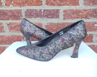 SALE Black Suede Pumps Metallic Multi Colored Paisley Psychedelic Design & Spool Heel - Gold Red Green Blue -  Retro Hippie - J. Renee - 8.5