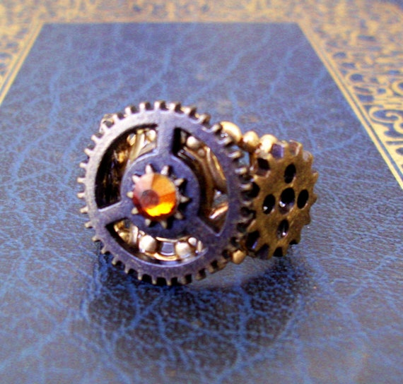 Steampunk Ring (Ring052) - Cast Metal Gears - Brass Filigree Adjustable Ring Band