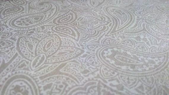 Fabric Polished Cotton - Creamy Ivory Paisley Print