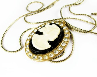 Vintage Cameo Necklace with Rhinestones and Long Chain - Collier Camée.