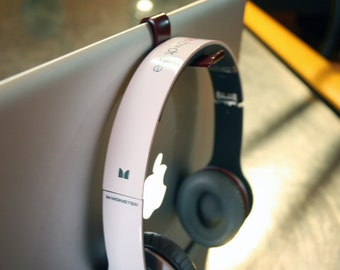 KANCHA Jr. for MacBook PRO this hook is the ultimate accessory