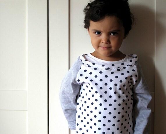 Kid tshirt. Raglan tshirt for girl. Toddler tshirt long sleeve. White and gray, navy polka dots, 100% cotton. Size 3T