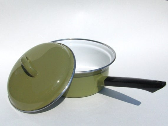 Avocado Green Enamelware Saucepan with Lid Enamel Cookware Pot Made in Italy One Quart Capacity