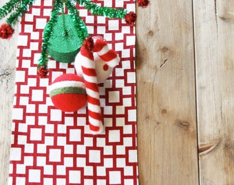 Holiday Table Runner: Red and White Squares Linen