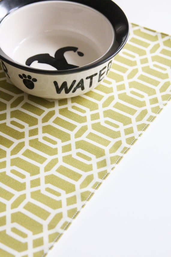 Pet Placemat - Kiwi Hexagons in Small Size