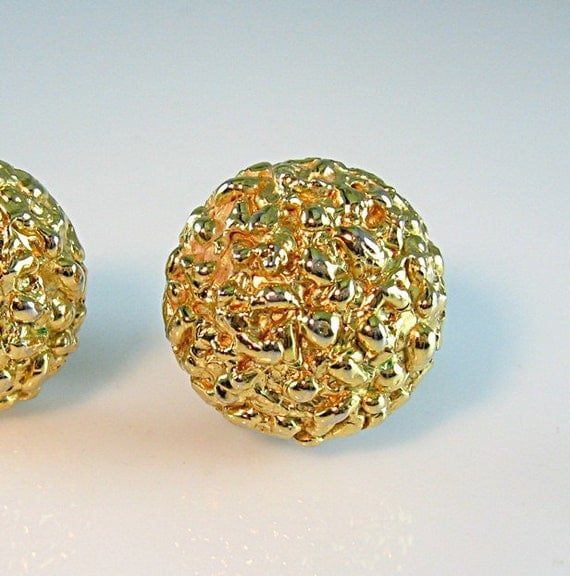 crown trifari gold nugget earrings clip gold tone textured
