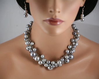 Bridesmaids chunky necklace in pewter and silver gray with gray crystals.   Wedding jewelry,  Bridesmaids jewelry