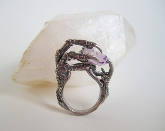 The Hunted - Sterling Silver Crow Claw Ring with Amethyst