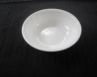 Corelle porcelain bowl (10 oz)