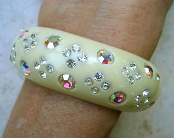 Vintage Weiss Clamper Bracelet AB Rhinestone Ivory Thermoset Plastic