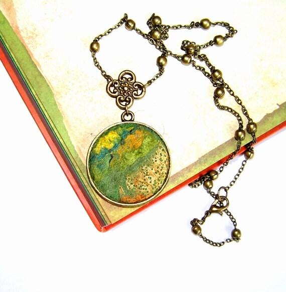 Felt Pendant Necklace Green Gold  Fantasy new version