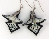 Textile earrings in black and white
