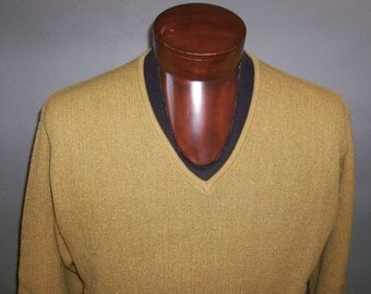 SALE***1960's DUDLEY // Virgin Wool/Mohair // Vee Neck Sweater... large