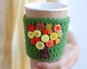 Tree coffee cup cozy with buttons by The Cozy Project