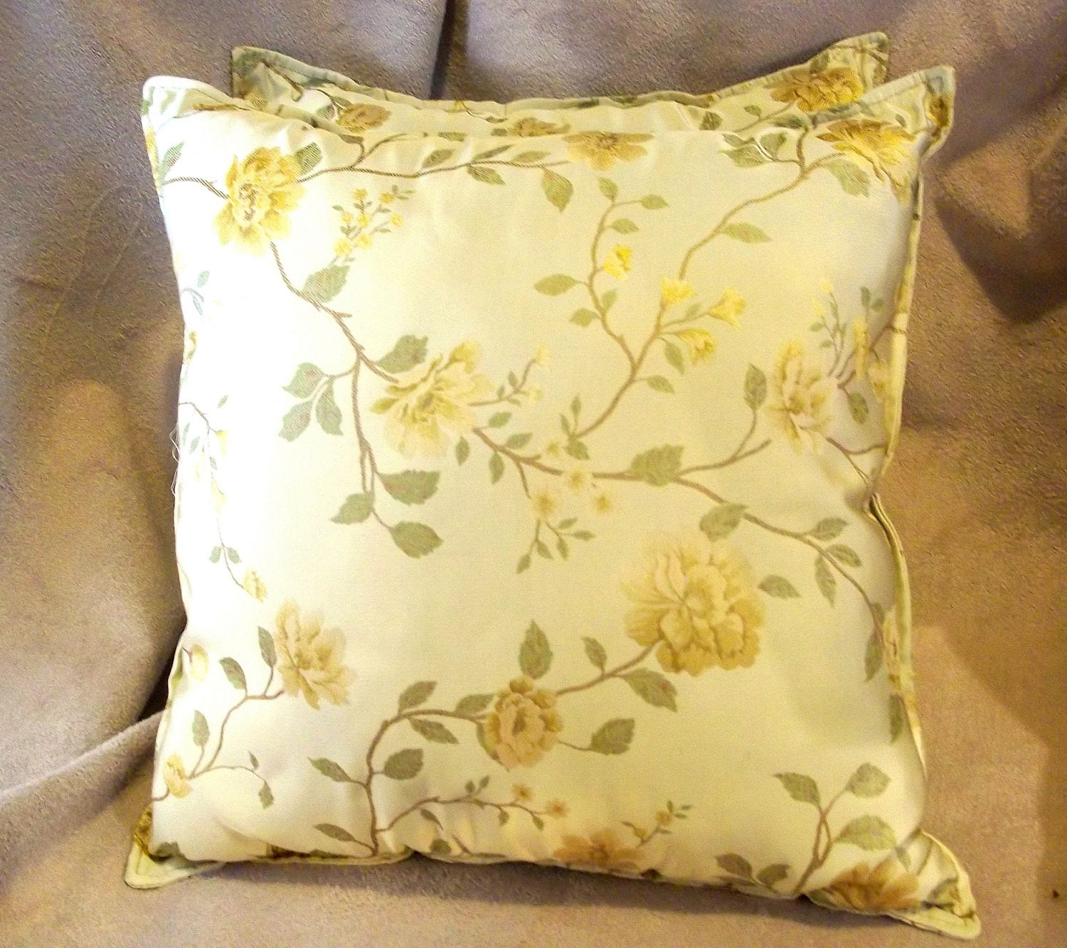 Throw pillows. Decorative throw pillows. Silk by BoutiqueNBeyond