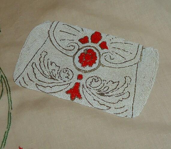 Beautiful 1920s Heavily Beaded Clutch Bag/Purse