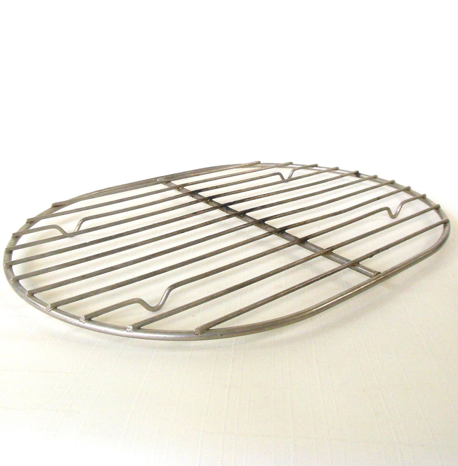 oval roasting rack wire trivet photo prop vintage. Black Bedroom Furniture Sets. Home Design Ideas