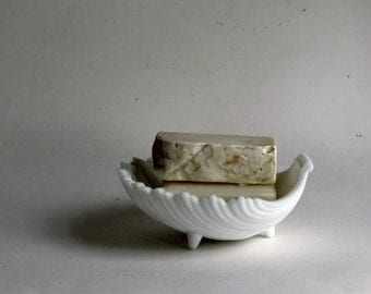 Vintage White Milkglass Shell Soap Dish / Candy Dish / Jewelry Holder