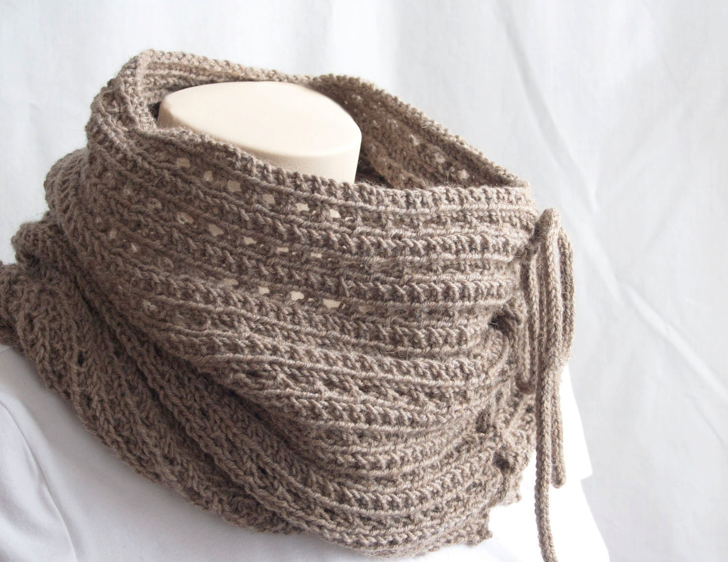 Knitting Patterns For Scarfs : Knitting Pattern Cowl The Mokaccino Cowl Infinity Scarf