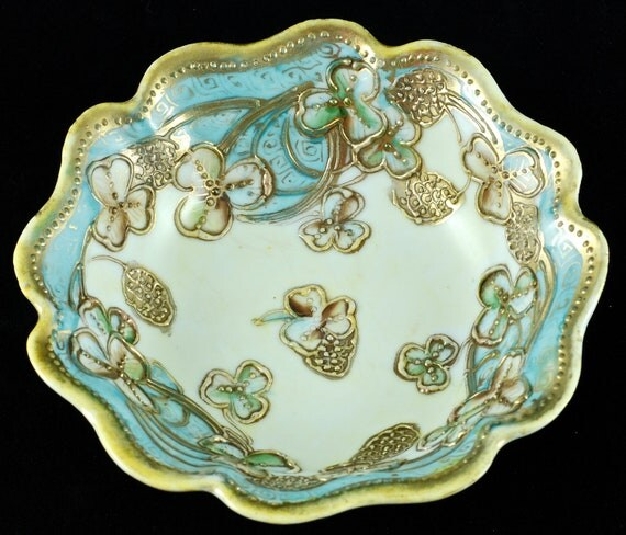 Antique Morimura Brothers Moriage Hand Painted Porcelain Bowl with Clover Motif