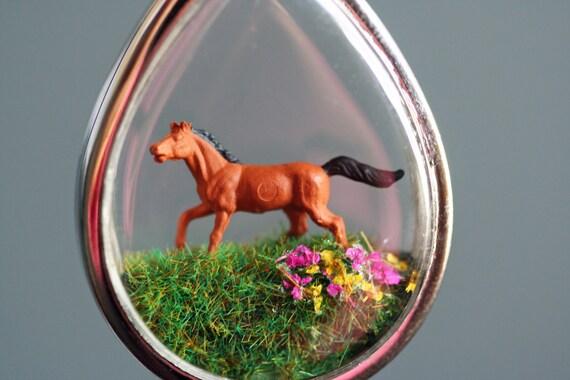 Terrarium Necklace Diorama necklace terrarium Pendant diorama pendant Horse necklace horse pendant miniature necklace woodland