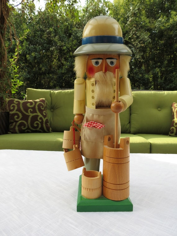 Original Steinbach Dairy Farmer Nutcracker, Handmade in Western Germany with COA, Tags