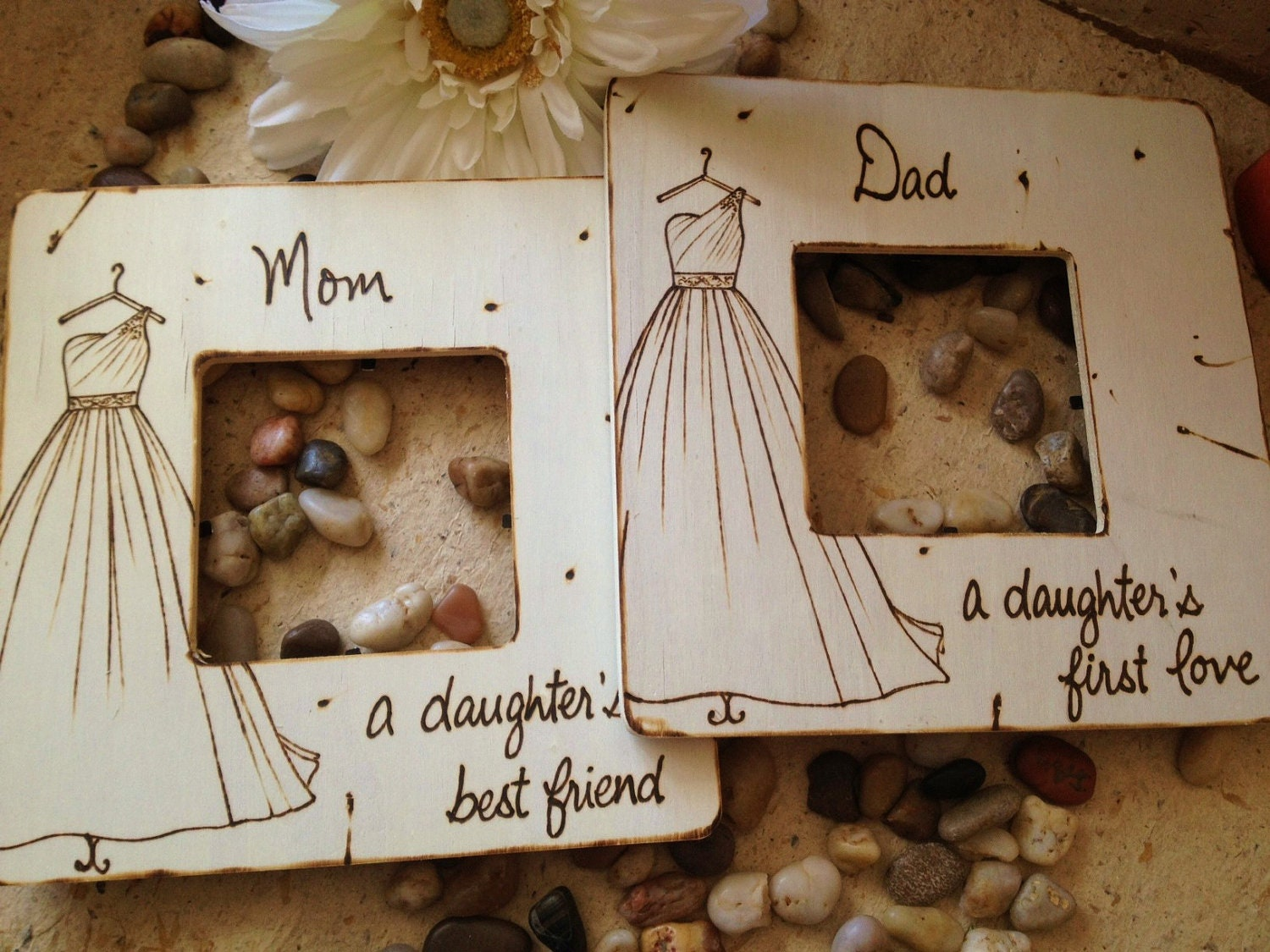 Set of 2 wedding gifts for parents of the bride mom and dad for Best gifts for parents for wedding