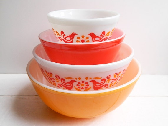 Vintage Pyrex Friendship Mixing Bowls Set Of 4