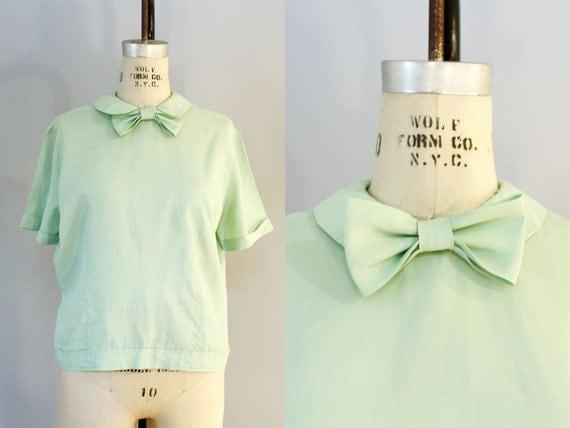 1950s blouse / 1960s blouse / Peter Pan collar / PISTACHIO SILK blouse XL 46 bust