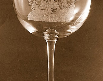 Etched Papillon on Large Elegant Wine Glass (set of 2)